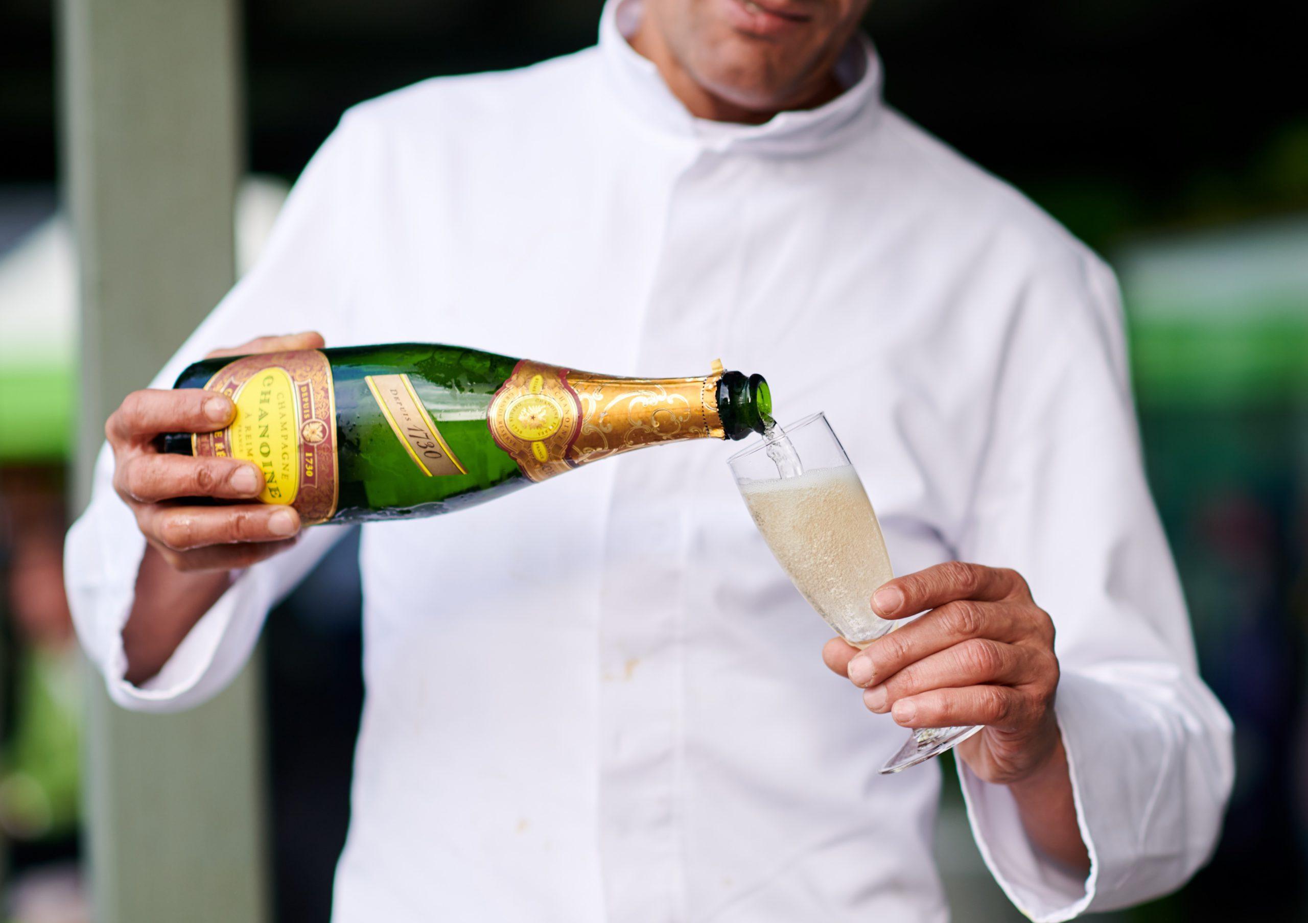 serivce_champagne